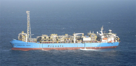 The FPSO en route to the Van Gogh field