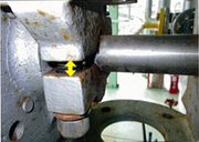 Approx. 6 mm gap (yellow arrow) on the crankshaft as a result of loose bolt